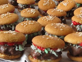 Dessert Burgers with Vanilla Wafers