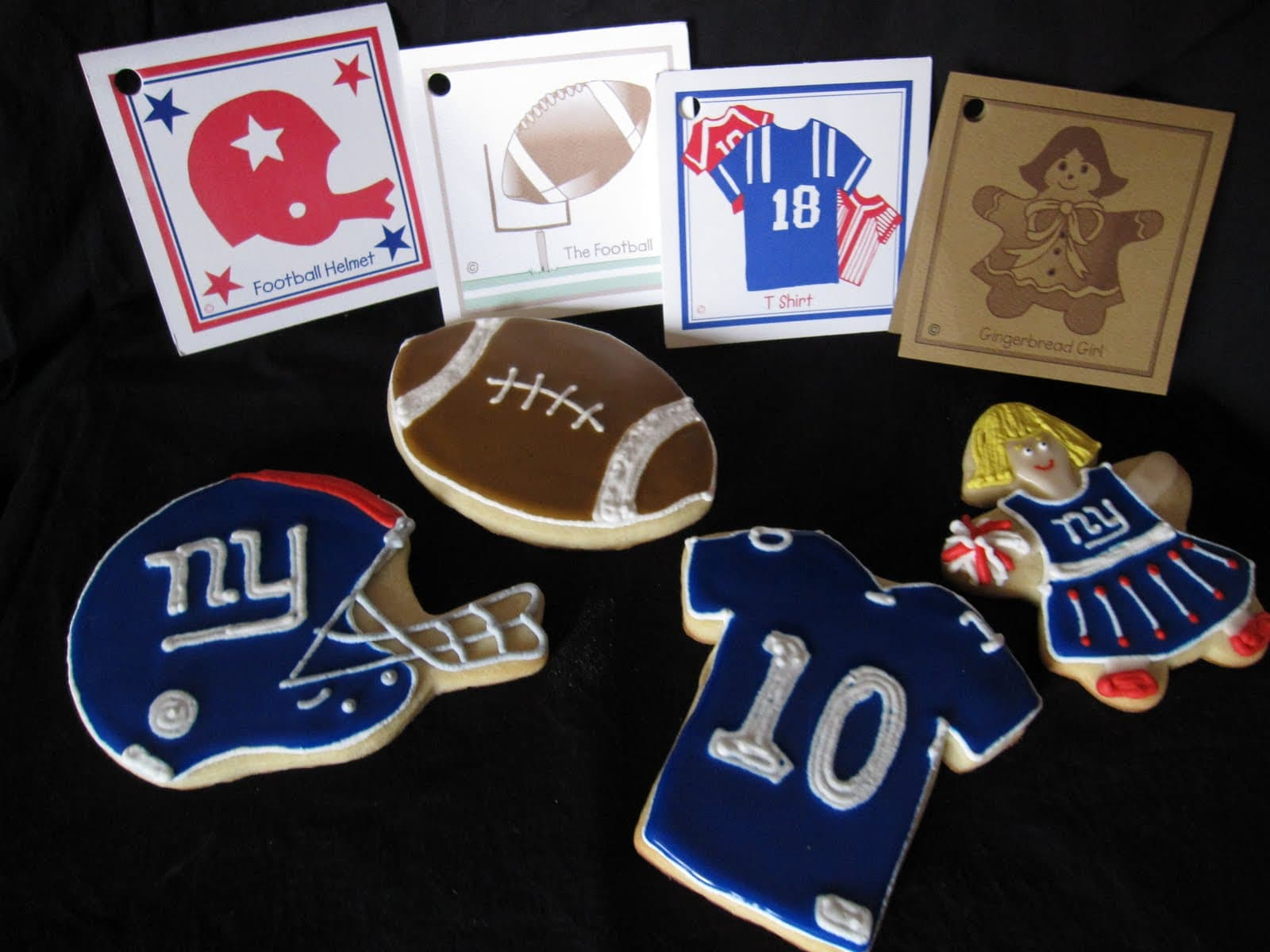 NY Giants themed cookies and cards