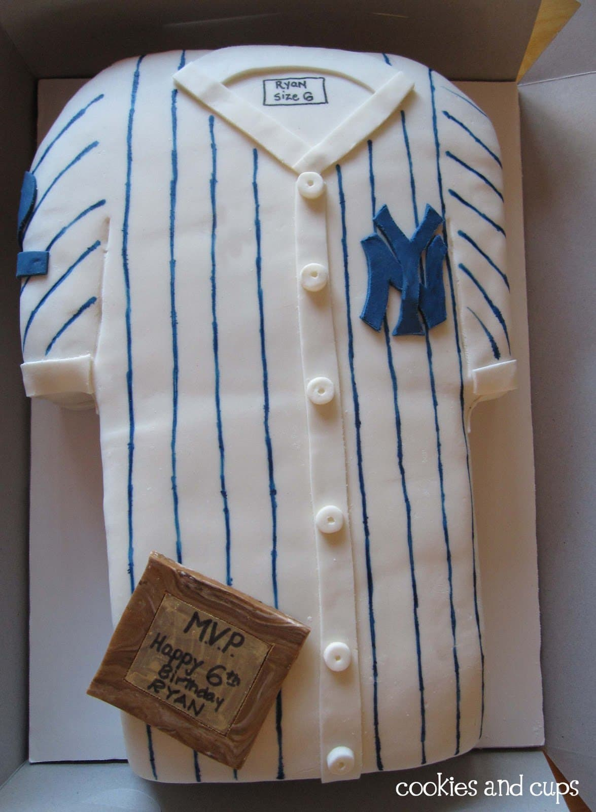 Top view of a cake decorated as a Yankees jersey