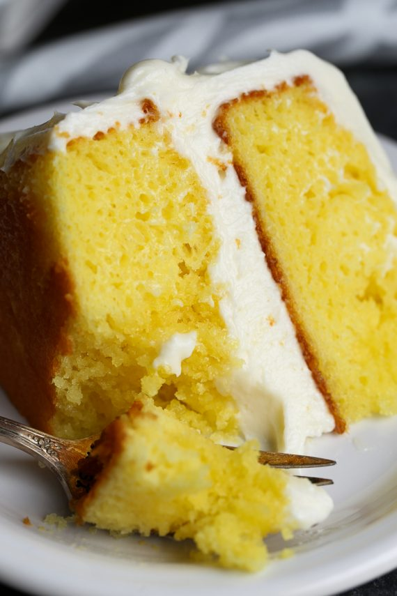 Lemon Cake With Lemonade Glaze