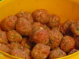 Raw meatballs in a bowl