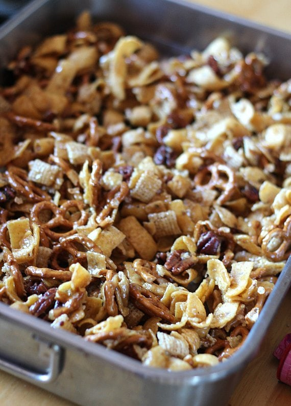 How to Make Frito Snack Mix : baking in the oven