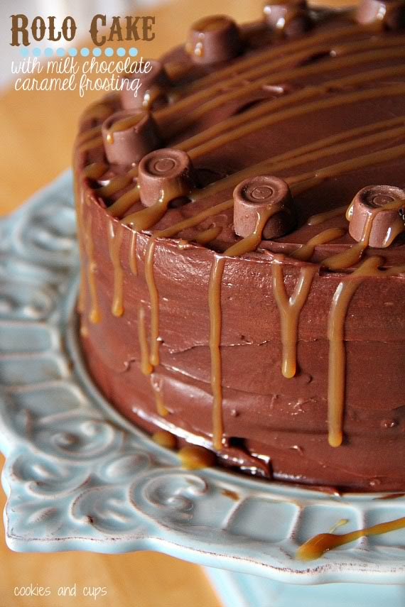 Image of a rolo cake on a platter