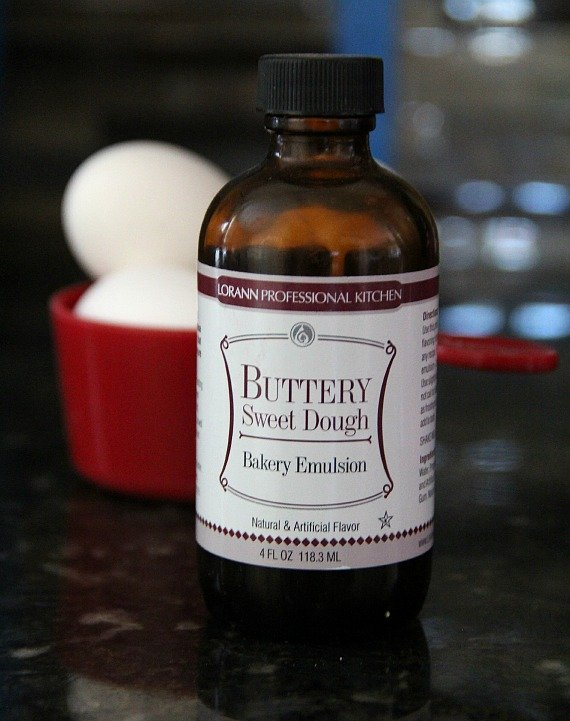 A brown glass bottle of Buttery Sweet Dough bakery emulsion