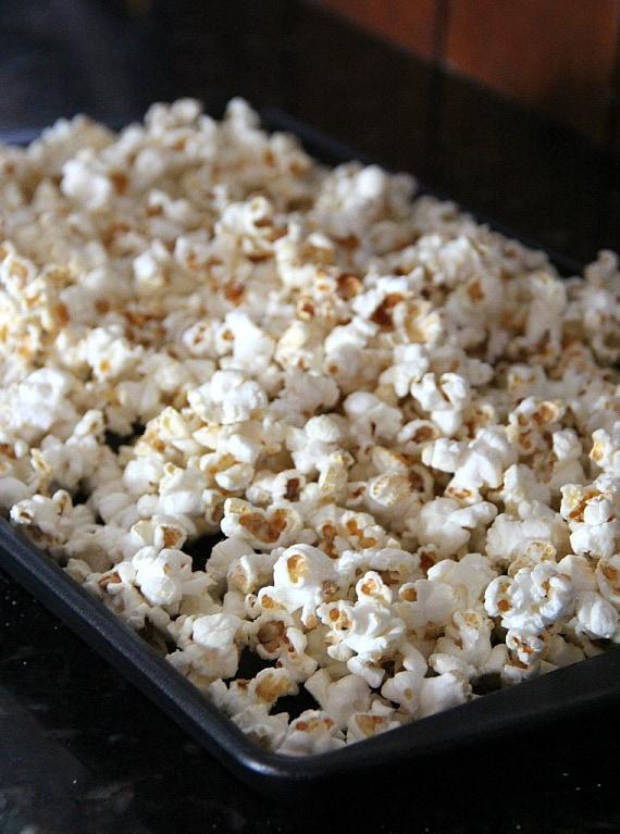 Popcorn in a rectangular pan