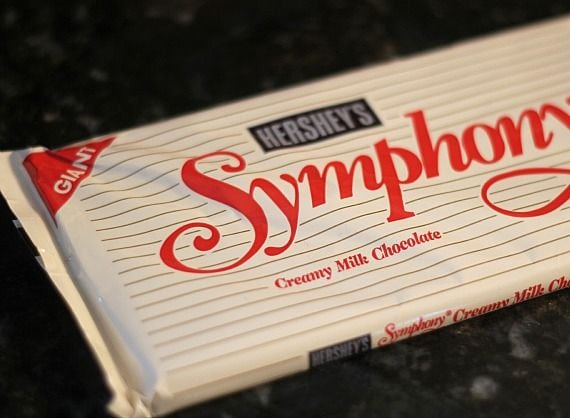 Hershey's Symphony chocolate bar in a wrapper