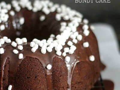 Hot Chocolate Bundt Cake | Cookies and Cups