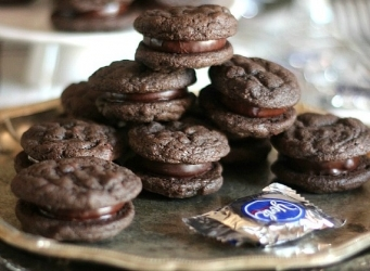 Peppermint Patty Sandwich Cookie