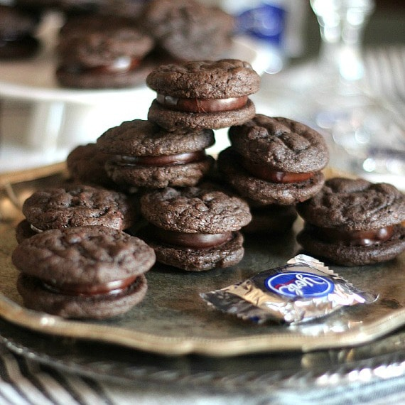 Cookies and Cups Peppermint Patty Chocolate Cookie Sandwiches