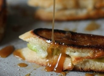 Brie and Apple Grilled Cheese with Caramel Drizzle | Cookies and Cups
