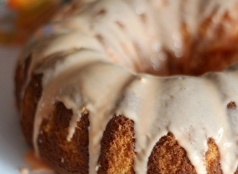 Orangesicle Bundt Cake | Cookies and Cups