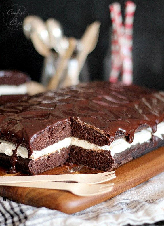 Whoopie Pie Cake | Cookies and Cups