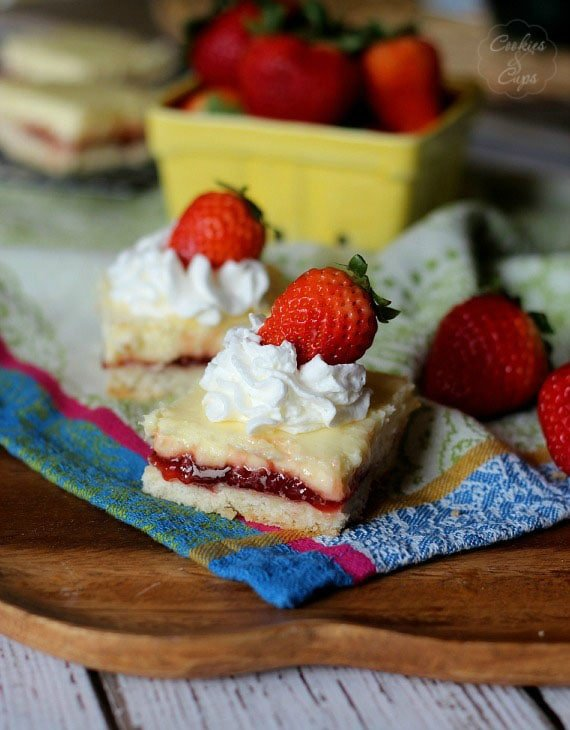 Strawberry Lemon Cheesecake Bars with Shortbread Crust | Cookies and Cups