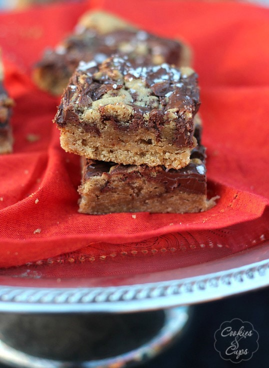 Browned Butter Nutella Swirled Blondies - Cookies and Cups