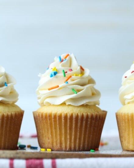 Fluffy, soft vanilla cupcakes