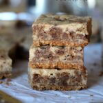 Oatmeal Cream Pie Cheesecake Bars | Cookies and Cups