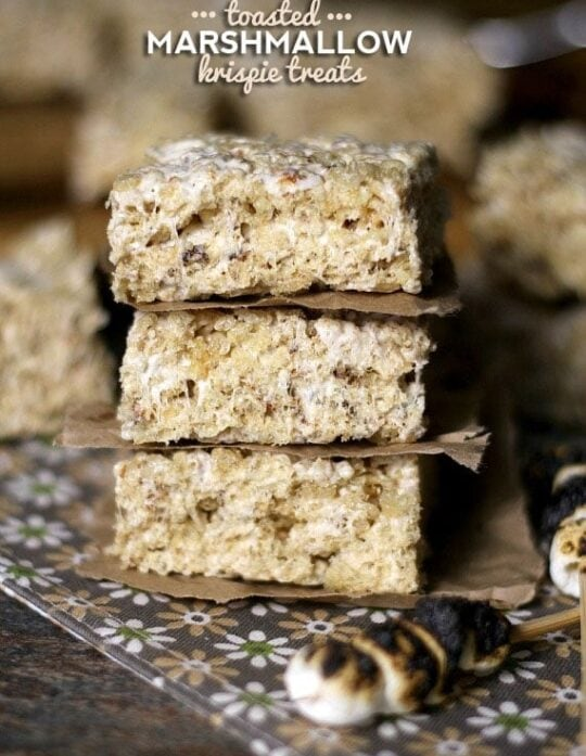 Toasted Marshmallow Krispie Treats | Cookies and Cups