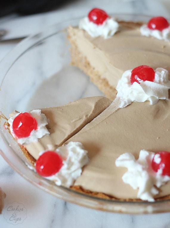 Root Beer Pie Float   Cookies and Cups