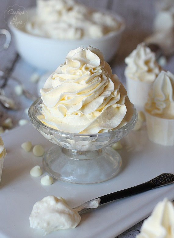 2 Ingredient White Chocolate Buttercream Frosting | www.cookiesandcups.com | #frosting #buttercream #easy #2ingredients