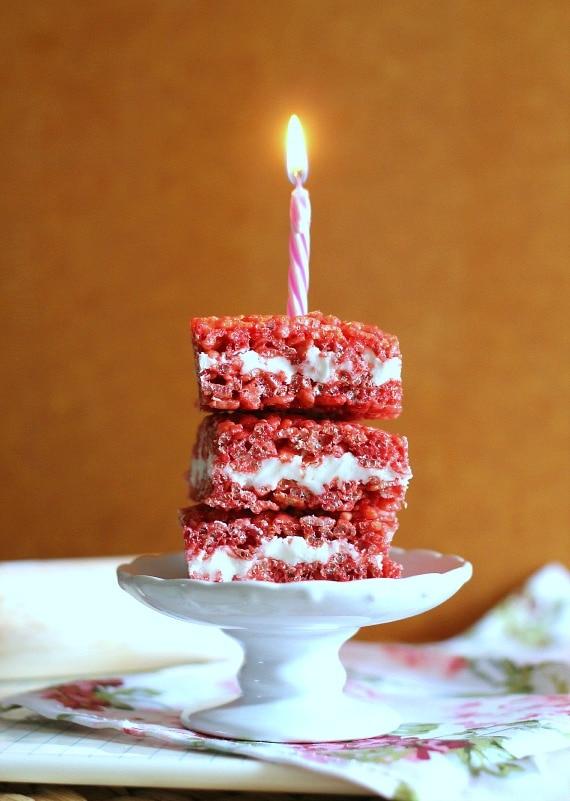 Red Velvet Krispie Treats   www.cookiesandcups.com
