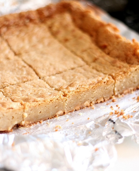 White Chocolate Maple Blondies | www.cookiesandcups.com