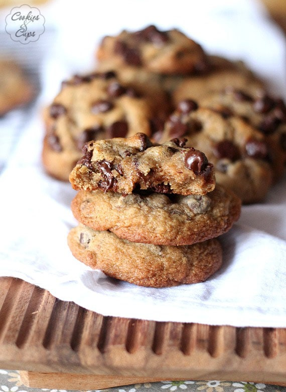 Whole Wheat Chocolate Chip Cookies   www.cookiesandcups.com
