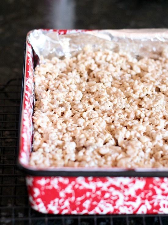 French Toast Krispie Treats | www.cookiesandcups.com