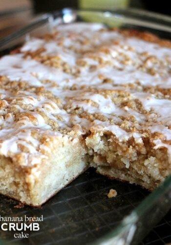 Banana Bread Crumb Cake