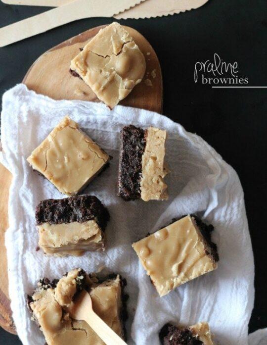 Praline Brownies   www.cookiesandcups.com
