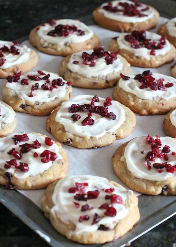 Cranberry Bliss Cookies | www.cookiesandcups.com