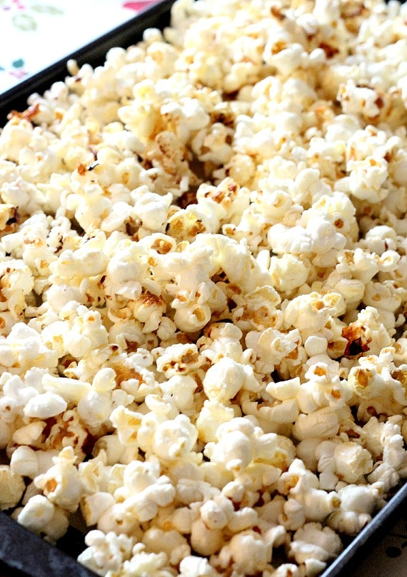 Hershey Kiss Milk Chocolate Kettle Corn | www.cookiesandcups.com