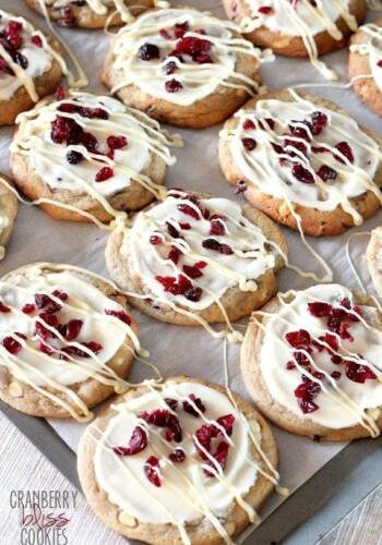 Cranberry Bliss Cookies | www.cookiesandcups.com