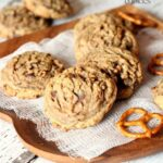 Salty Pretzel Chocolate Chip Cookies | www.cookiesandcups.com
