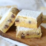 Chocolate Chip Cookie Dough Gooey Butter Bars | www.cookiesandcups.com