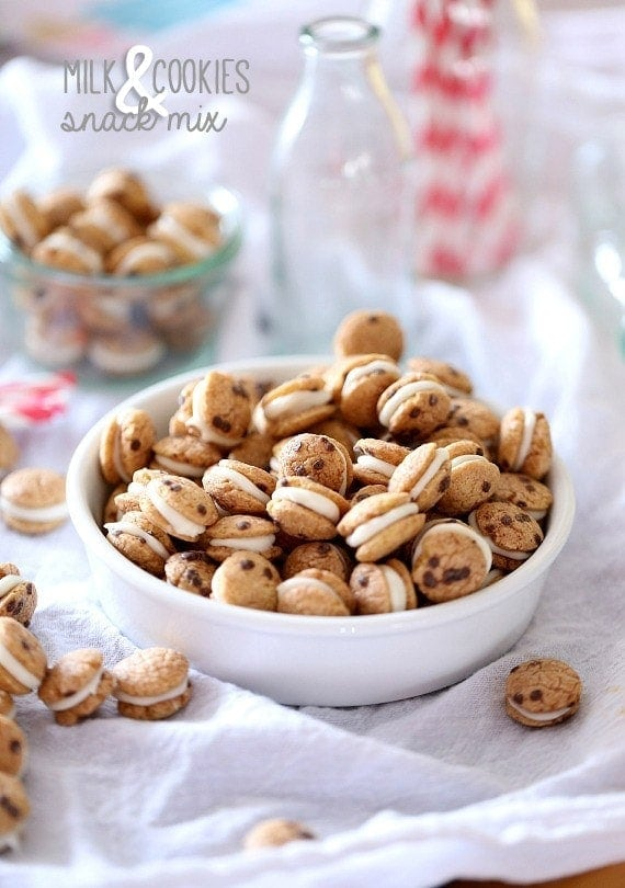 Cookies and Milk Snack Mix ~ A simple Snack Mix made with Cookie Crisp Cereal sandwiched together with white chocolate! Poppable, cute and simple!