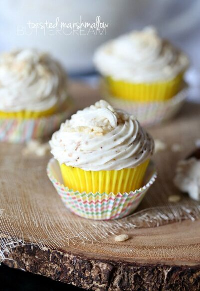 Toasted Marshmallow Buttercream Frosting www.cookiesandcups.com