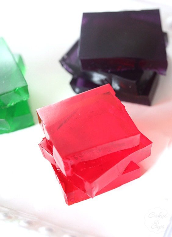 Gatorade Jello Squares. The perfect refreshing half-time or end of game treat for kids!