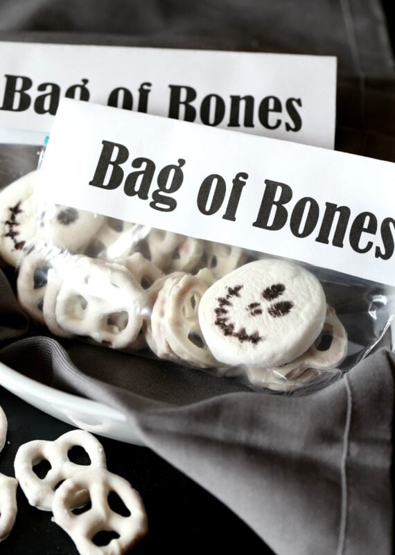Bag of Bones Halloween Snack Mix