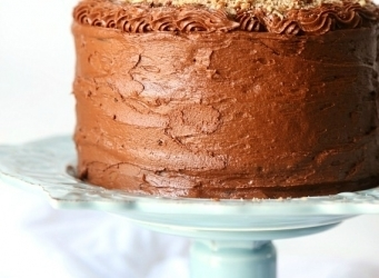 Bacon Pecan Crumble Chocolate Cake...This cake is EPIC! Such soft chocolate cake, amazing frosting and topped with a thick layer of caramel and salty bacon pecan crumble!! CRAZY GOOD!!