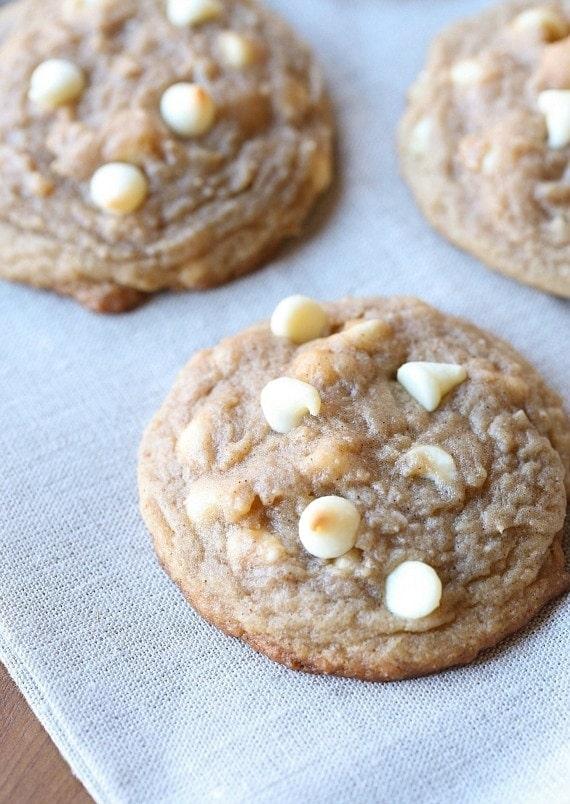 Soft Brown Sugar Cinnamon Cookies