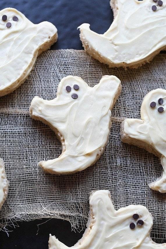 Krispie Treat Ghosts   Easy Rice Krispie Treats for your