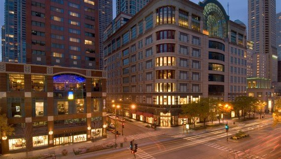 chidtn-omni-chicago-hotel-exterior-3