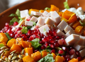 Use up all your Thanksgiving Leftovers in a gorgeous Chopped Salad with simple Ranch Vinaigrette! #freshholidaytips