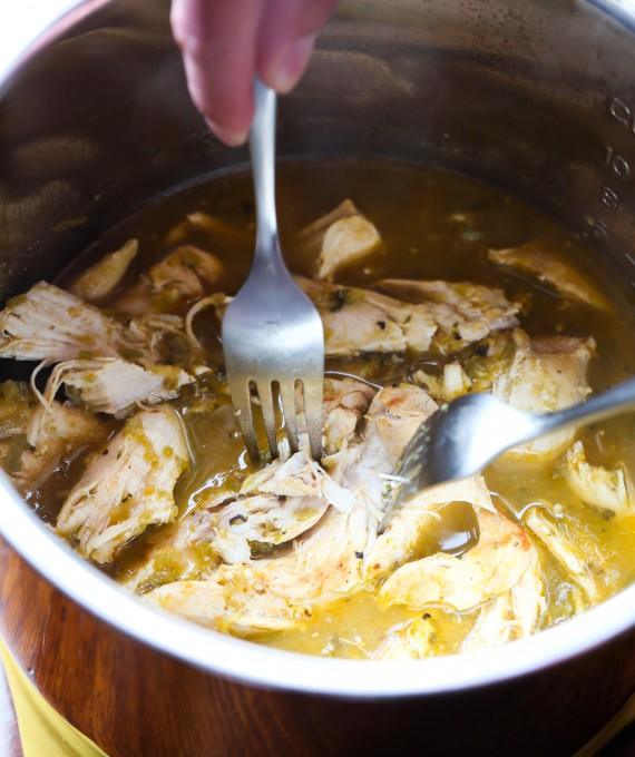 Simple Instant Pot Salsa Verde Chicken! Shredded chicken in less than 30 minutes!