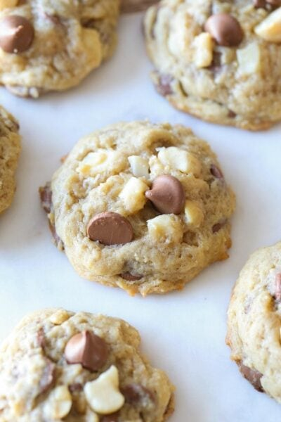 Homemade Saulsalito Cookies are a spin on the Pepperidge Farms classic. Mine are soft with crispy sugar bits, loaded with salty macadamia nuts and creamy milk chocolate!