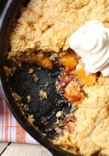 Skillet Sugar Cookie Peach Cobbler