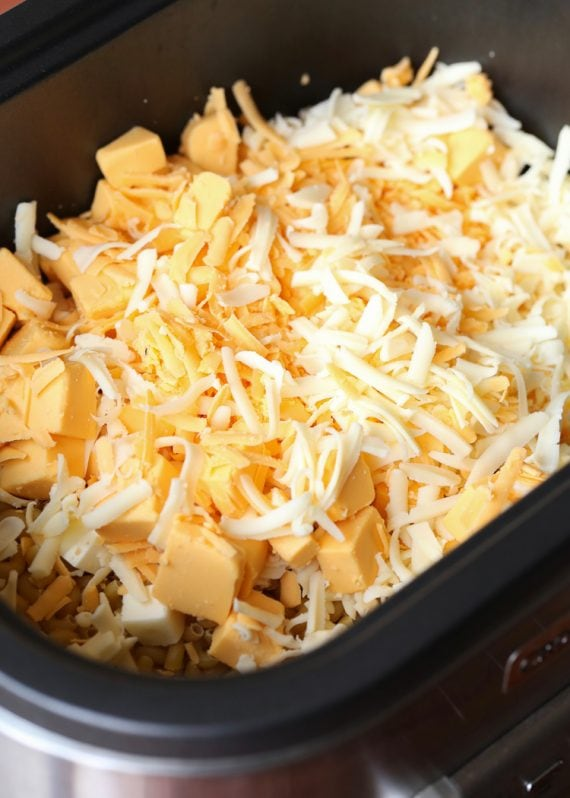 NO BOIL Creamy SLow Cooker Mac and Cheese