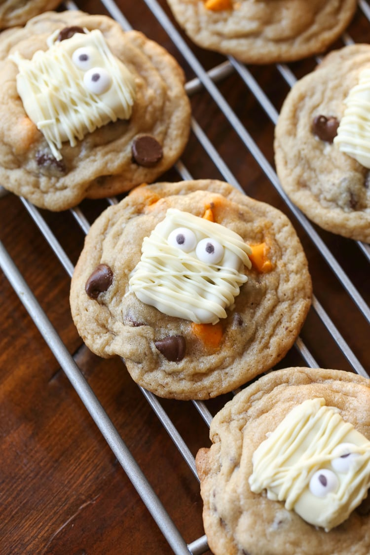 paranormal pretzel cookies   easy halloween party food idea
