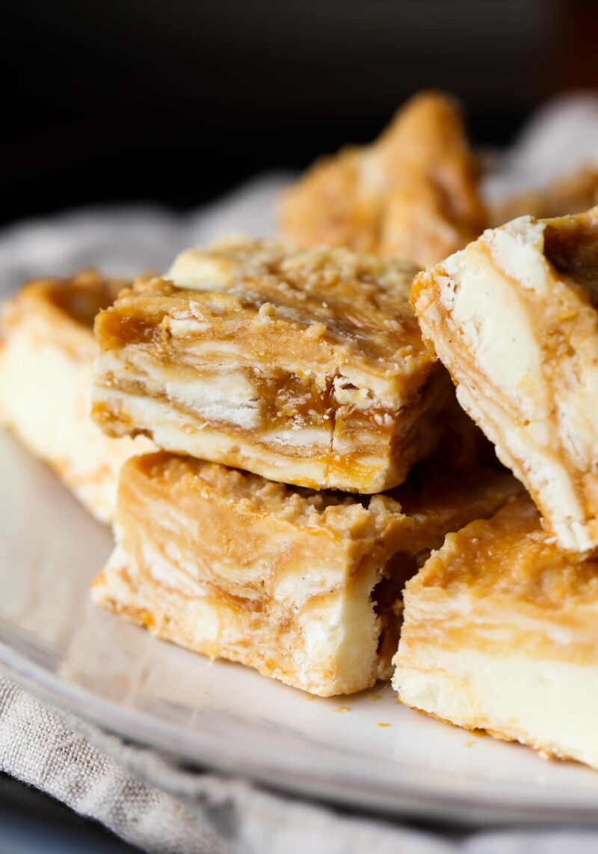 White Chocolate Dulce de Leche swirled Fudge is sweet & rich. Oh those ribbons of Dulce de Leche!
