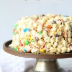Picture of a Popcorn Cake on a Cake Stand